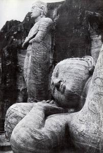 Buddhas-in-Sri-Lanka-sm